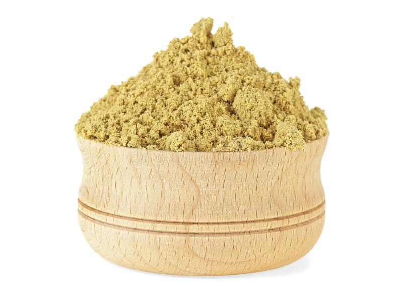 mustard-powder-wooden-bowl-white-background-176243994_1588423279.jpg
